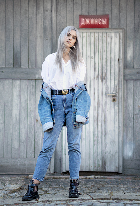 blue jeans fashion photoshoot